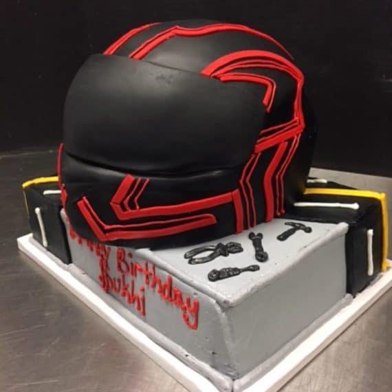 Helmut Cake Main
