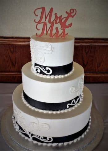tiered black and white wedding cake