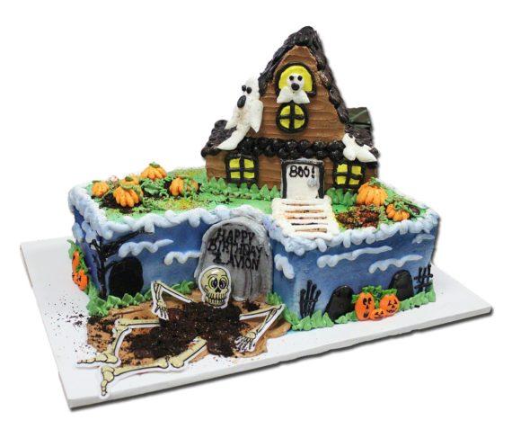 halloween house cake
